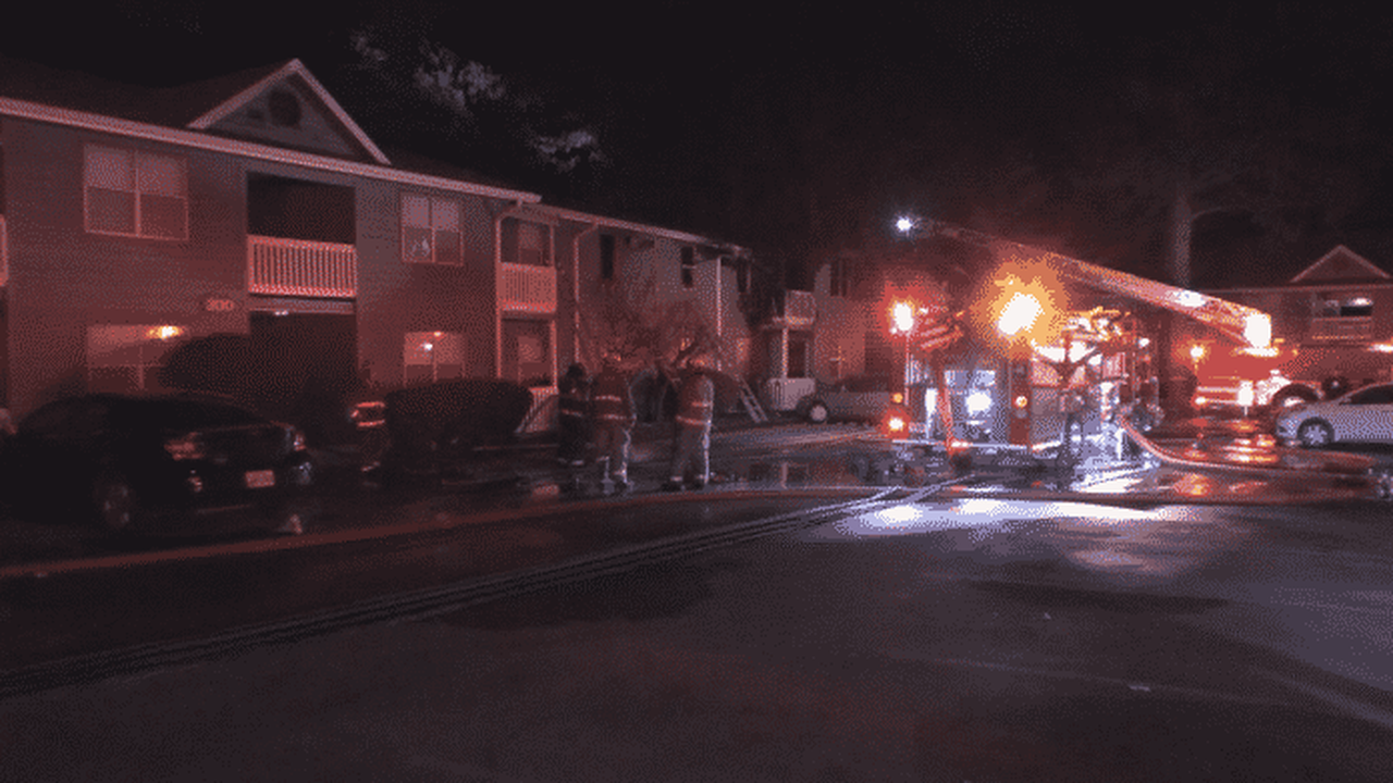 3 injured in Saturday afternoon apartment fire