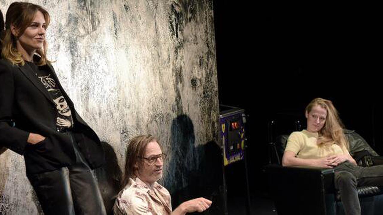 """""""Das Leben des Vernon Subutex 1"""" in der Schaubühne : Sternstunde der Verachtung"""
