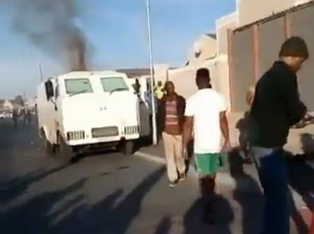 Guards shot dead as Cape Flats residents team up with robbers in CIT heist