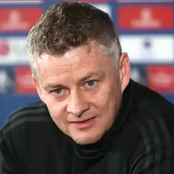 Ole Solskjaer confirms Bruno Fernandes and Marcus Rashford are included in the squad to face Spurs.