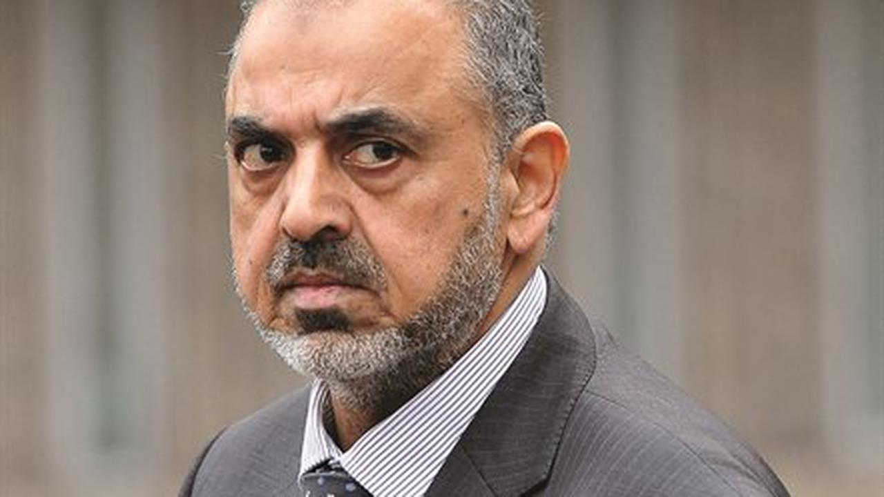 Ex-lord Nazir Ahmed to face retrial over child sex abuse charges