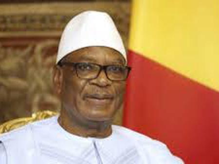 Mali: face aux mutins, le président Keïta rend sa démission