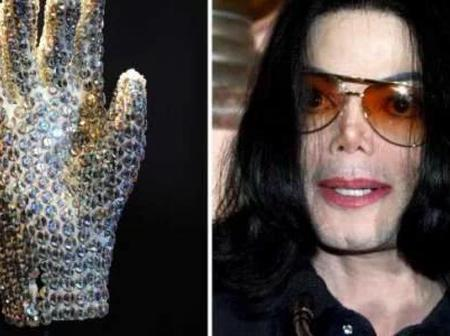 Reasons Why Michael Jackson Wore A Glove Whenever He Was Performing