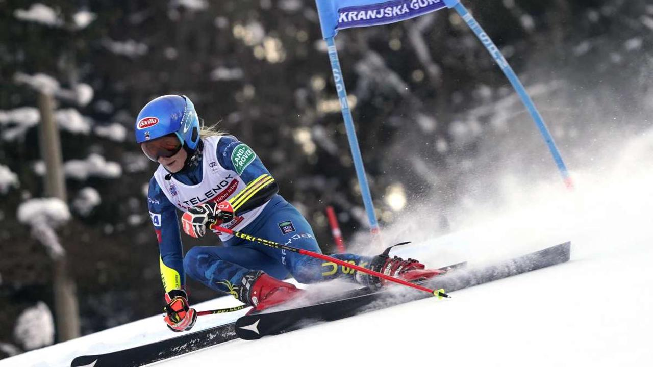 Shiffrin takes clear lead in GS after 1st run, Bassino 2nd