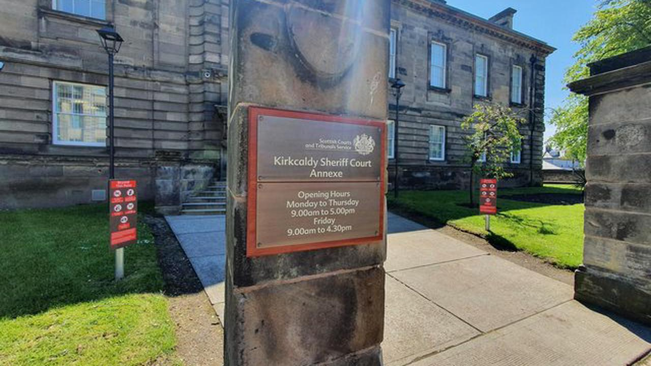 Kirkcaldy woman made threats of violence while in possession of a meat cleaver
