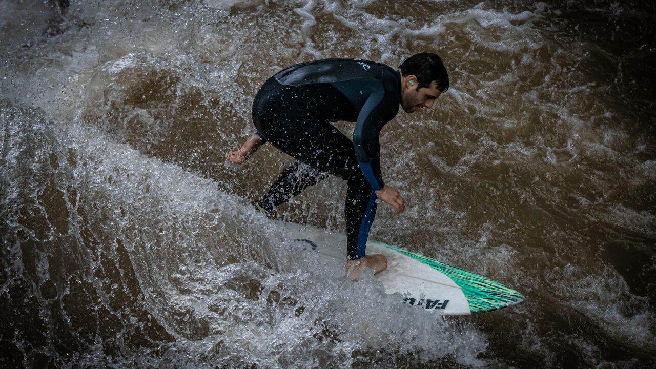 Wellen reiten: Pforzheimer Anlage eröffnet