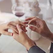 أتزوج بمن أحبه أم بمن يحبني؟.. هذه نصيحتي لك