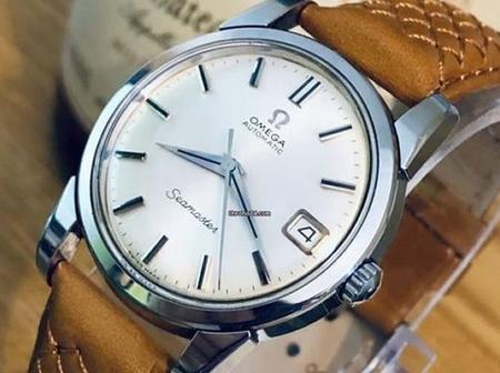 Stay Classy With The Undone Aqua 1960 Watch