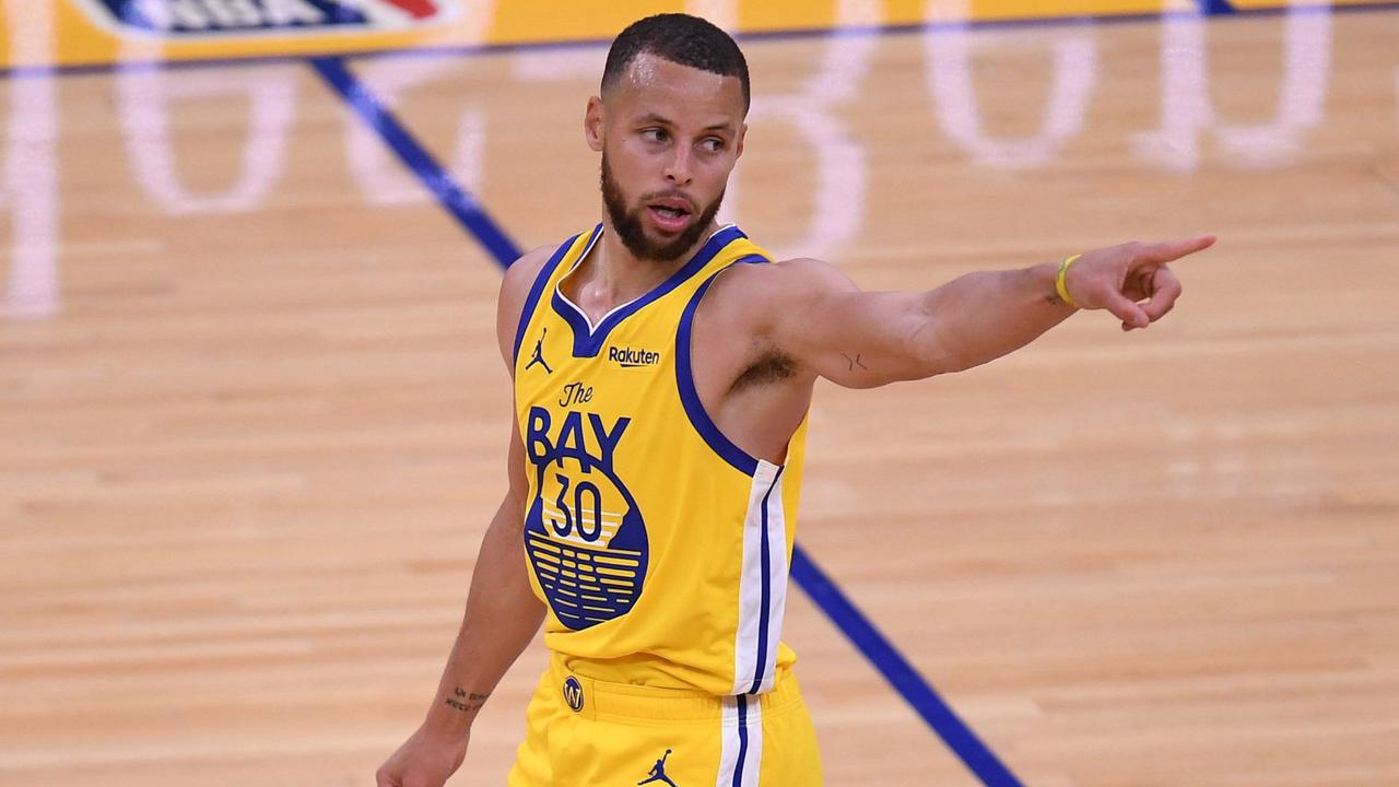 'Banged Up' Stephen Curry Gets Crucial Update From Steve Kerr Ahead Of Critical Stretch
