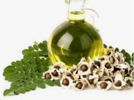 For smooth skin and shiny hair! Here is how to make MORINGA OIL without machine