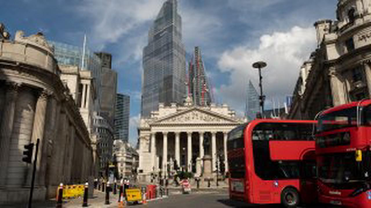 European Shares Seen Up Despite Growth Concerns