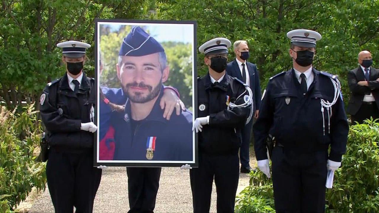 Hommage à Eric Masson: Jean Castex remet la Légion d'honneur à titre posthume au policier