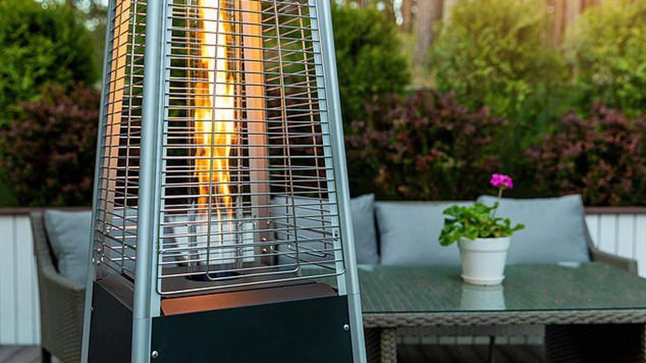 Reopening of pub gardens and outdoor dining in the UK could cause a spike in air pollution from gas-burning patio heaters, experts warn