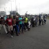 """""""Lion hearted generation"""" - See reactions as protesters return to their protest in Lekki tollgate."""