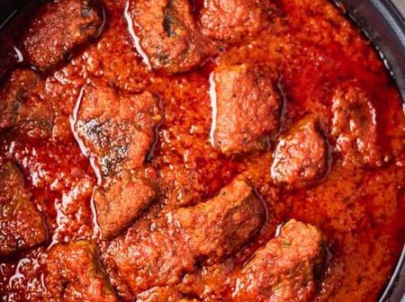 See how to make Nigerian stew sauce