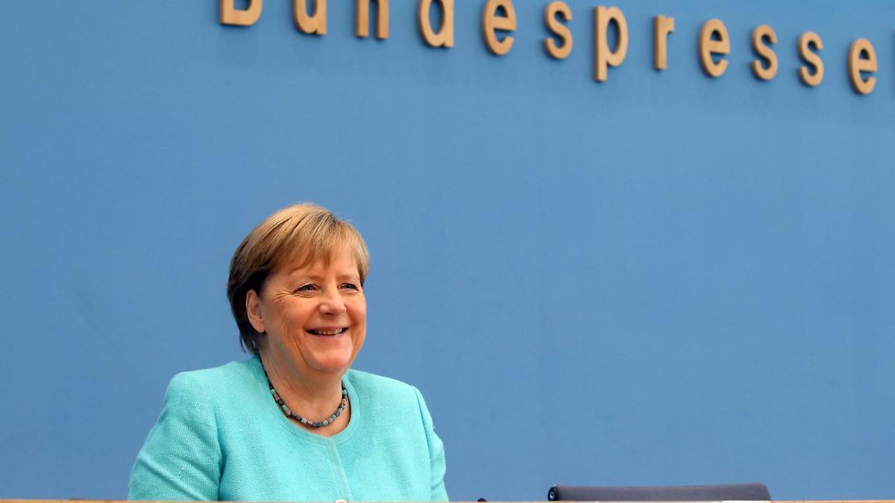Eineinhalb Stunden Fragefeuer: Die kompletteste Merkel, die es je gab
