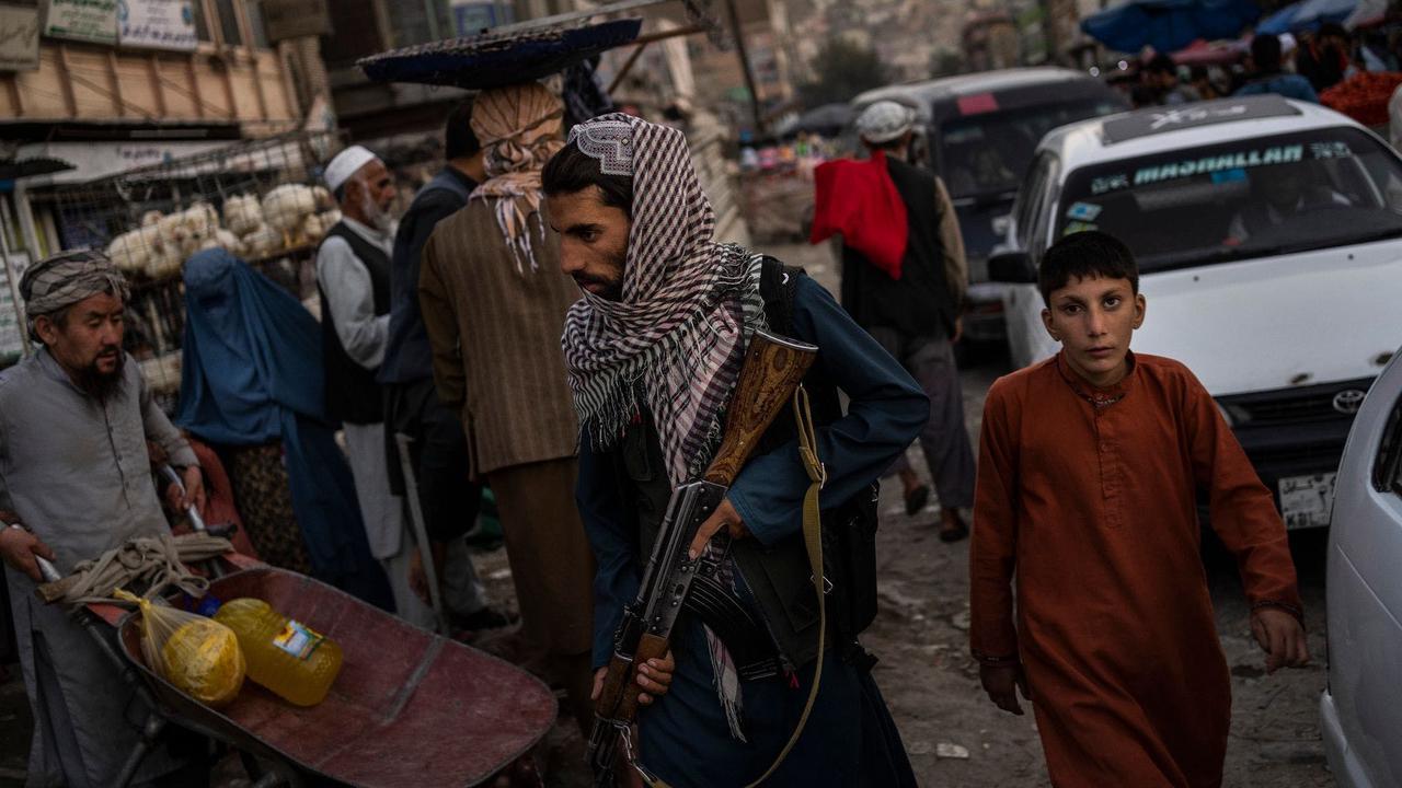 Taliban: Höhere Schulen sollen für Jungen wieder öffnen