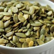 تناول القليل من هذه البذور سوف تسيطر على السكر وتفرز الأنسولين..طالع فوائد بذور اليقطين