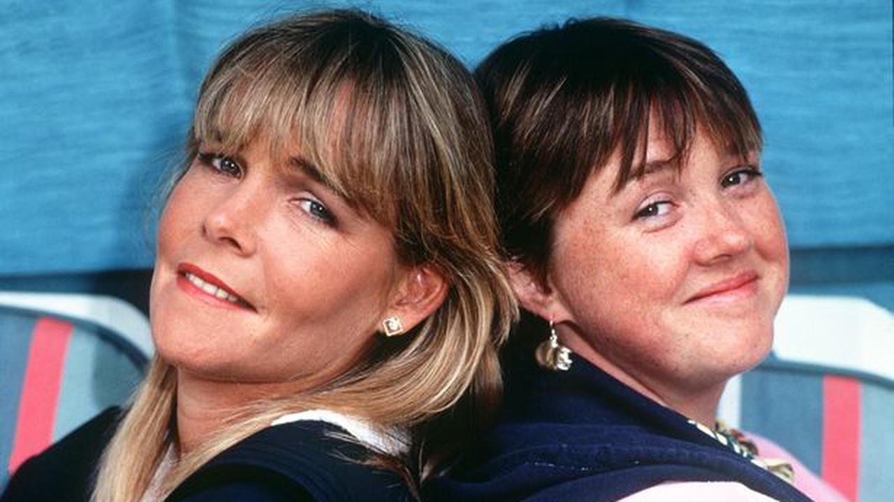 Linda Robson leaves Pauline Quirke out of 'favourite girls' snap amid 'huge row'