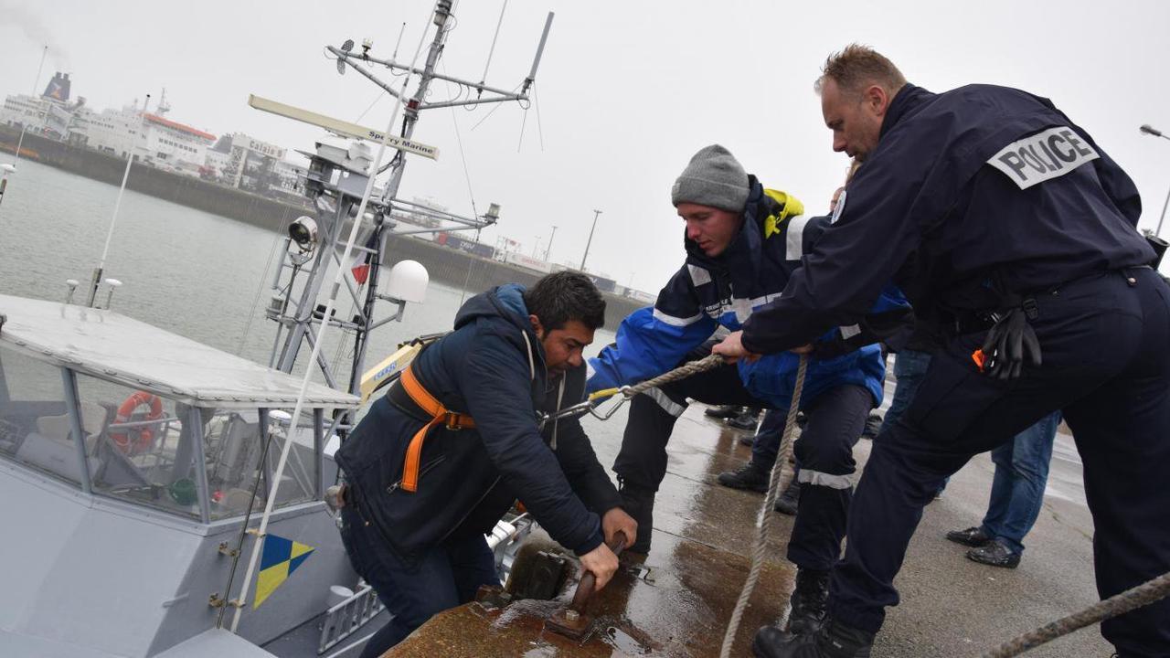 Loon-Plage : 67 migrants récupérés en mer dont 7 enfants