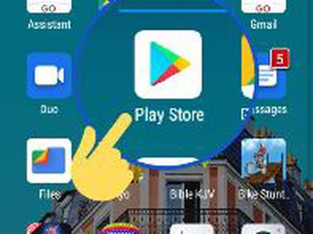 See another thing you can do on play store without using data (pictures)