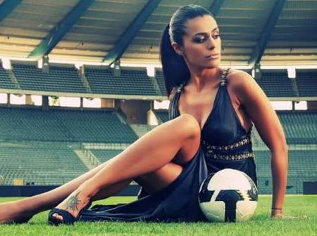See Beautiful pictures of the world's Hottest Female Footballer