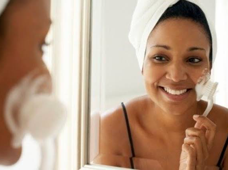 5 ways you can use the facial scrub brush and get a glowing face
