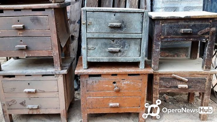 Nigerians Stop Throwing Old Things Away