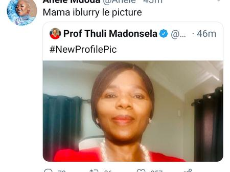 Fans left in stitches after seeing what Anele Mdoda had to say Prof Thuli Madonsela's newProfilepic