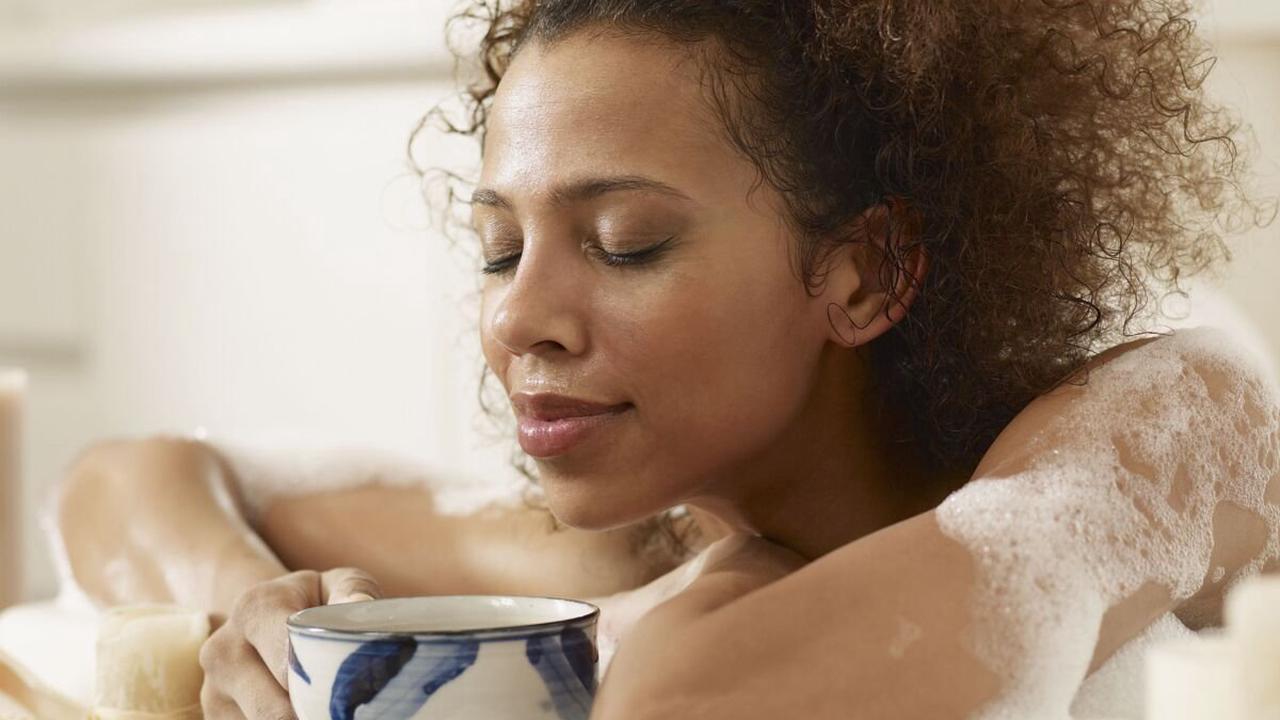 Bain de thé infusé : comment réaliser cette tendance bien-être ?
