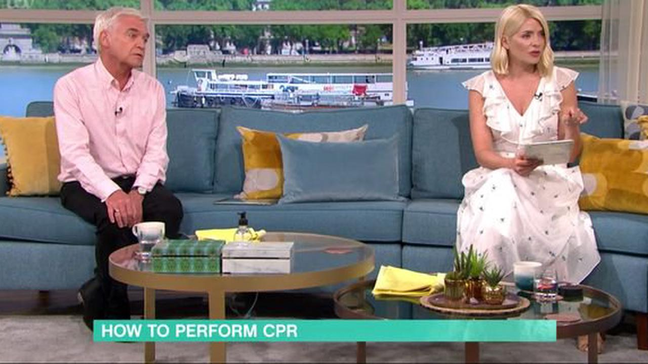 Phillip Schofield 'brought dad back' doing CPR and got an extra 20 years with him