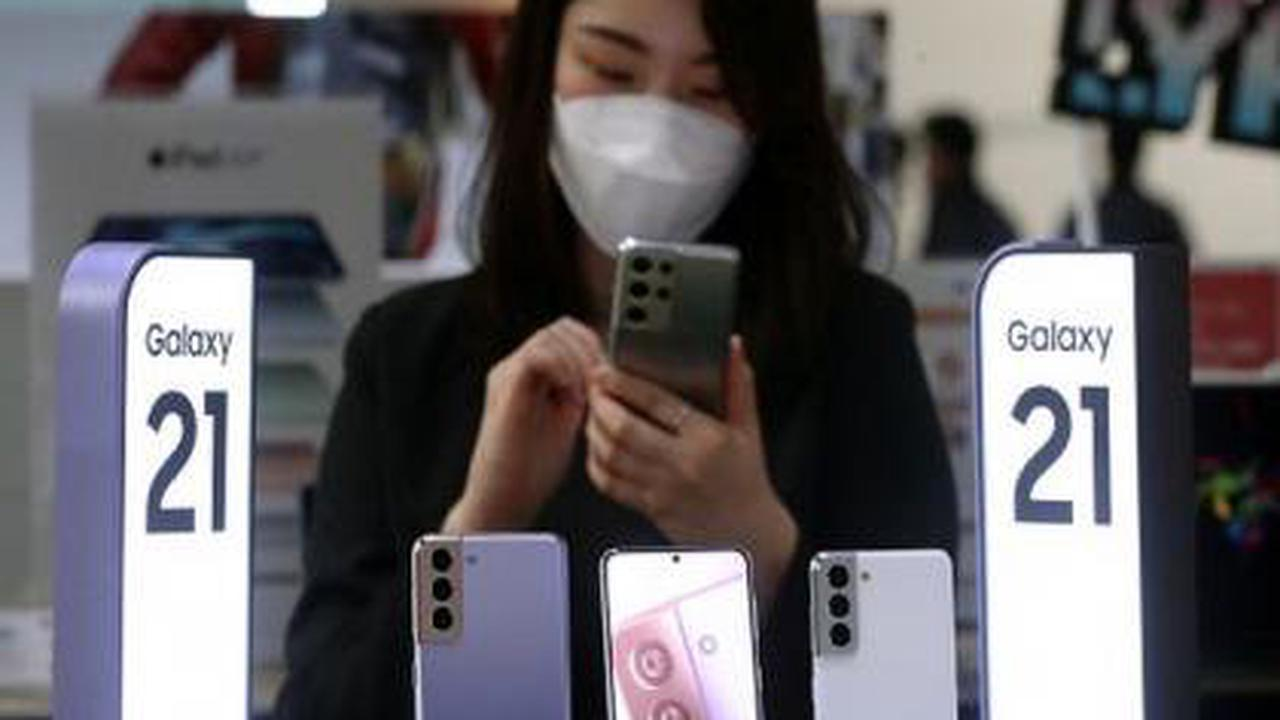 In smartphone exit, LG's loss will be Samsung's gain