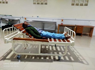 Give Kenyans Tenders!! Kenyans React After Another Creative Man Makes Better Hospital Beds Locally