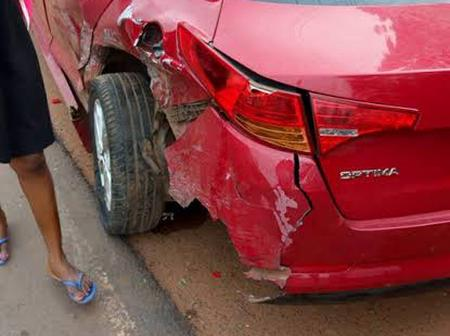 2 Lessons Learnt After A Car Crushed A Girl While Picking Money Sprayed By Yahoo Boys (Video)