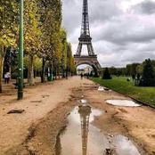 Cette image de nids-de-poule sur le sol du parc de la Tour Eiffel circule beaucoup sur internet!