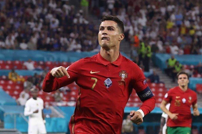 Cristiano Ronaldo creates all-time International football record