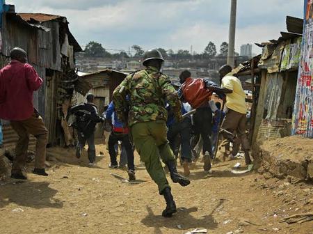 Dramatic Scenes as Police Officers Nab Several People Sneaking Into Kenya