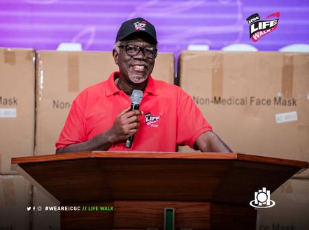 Pastor Mensah Otabil Dashes Gift And Citation to All Health Workers in ICGC