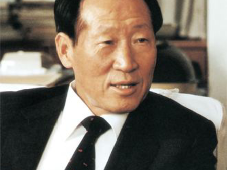 Tired of Poverty, stole cow to travel, later he became Richest Man in South Korea -Hyundai founder.