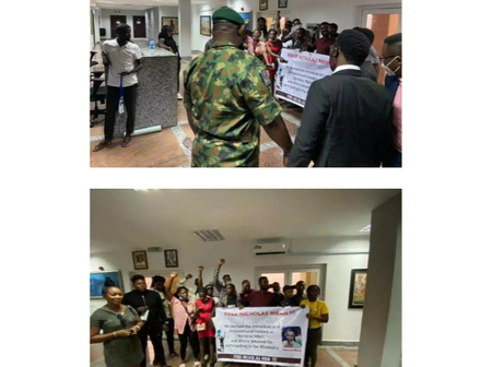 See What Happened The Moment General Ibrahim Taiwo Was Leaving Lagos State Judicial Panel Building