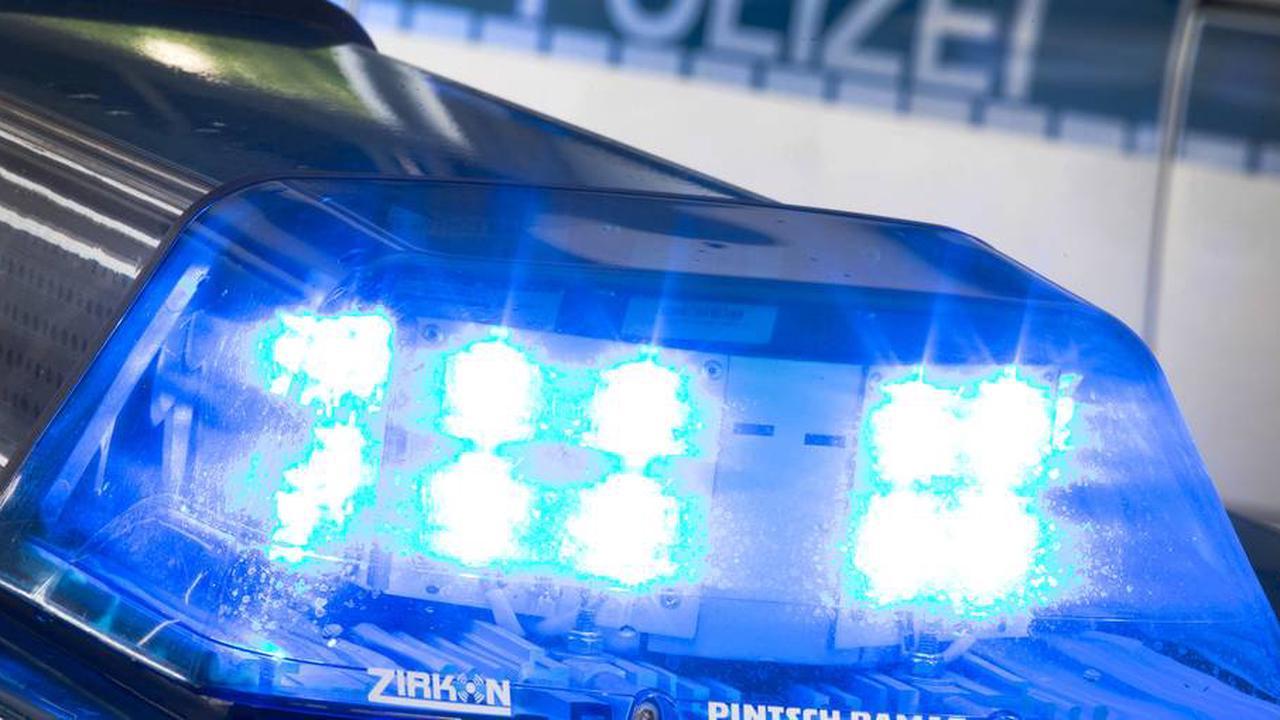 Auffahrunfall mit einem Lkw und vier Autos in Mainz