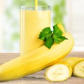Blend Banana, Cashew Nut And Kiwi(It Is Not Magic, Just Read And Follow The Instructions).