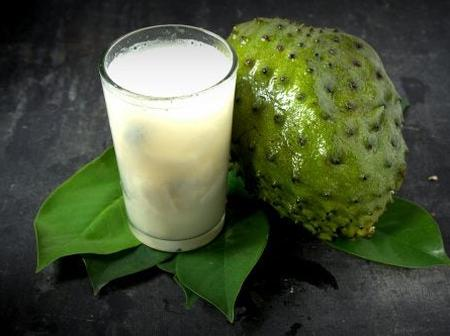 Making Smoothies Recipe With Soursop Fruit
