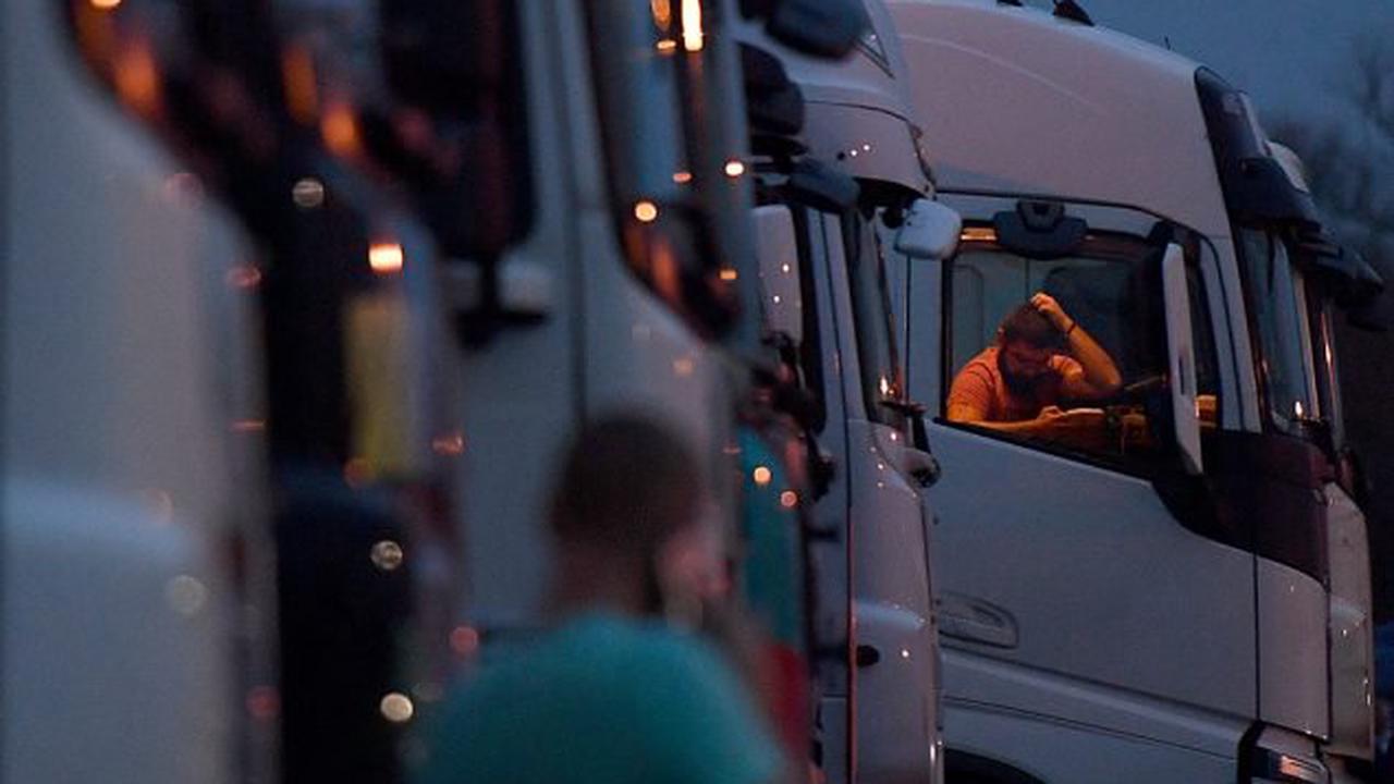 Regierung Johnson will zusätzliche Visa für Lkw-Fahrer ausgeben