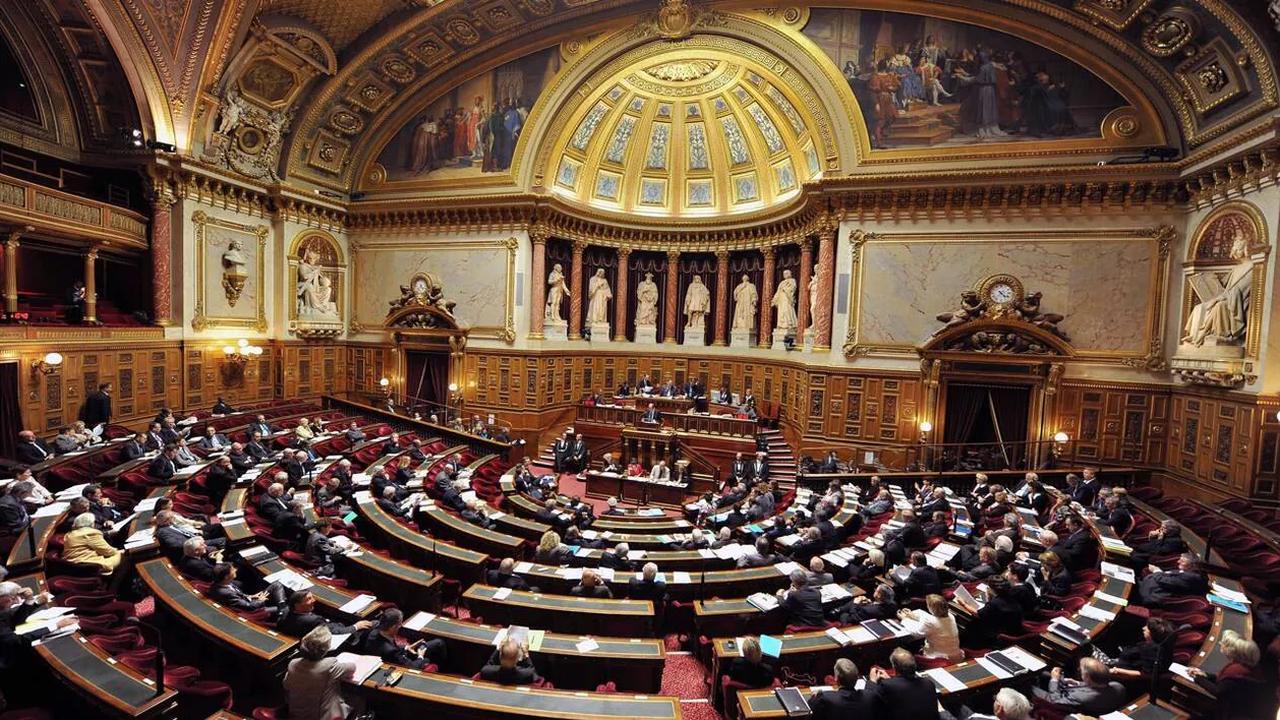 Projet de loi bioéthique: le Sénat décide de cloire définitivement les débats