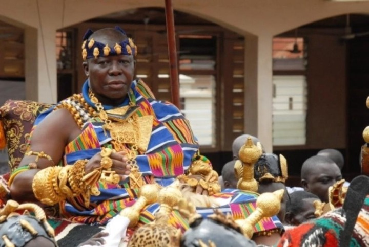 fea81e40a700dc7f5169d04218171c4b?quality=uhq&resize=720 - Throwback Photos of Otumfour Osei Tutu II hanging out with Queen Elizabeth II causes massive stir