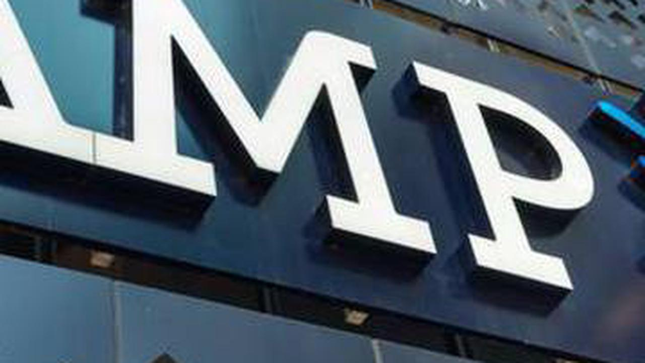 AMP executives out as shareholders revolt, David Murray resigns as chairman