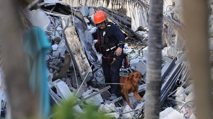 Miami building collapses, leaves 3 dead and 99 people unaccounted for (Photos)