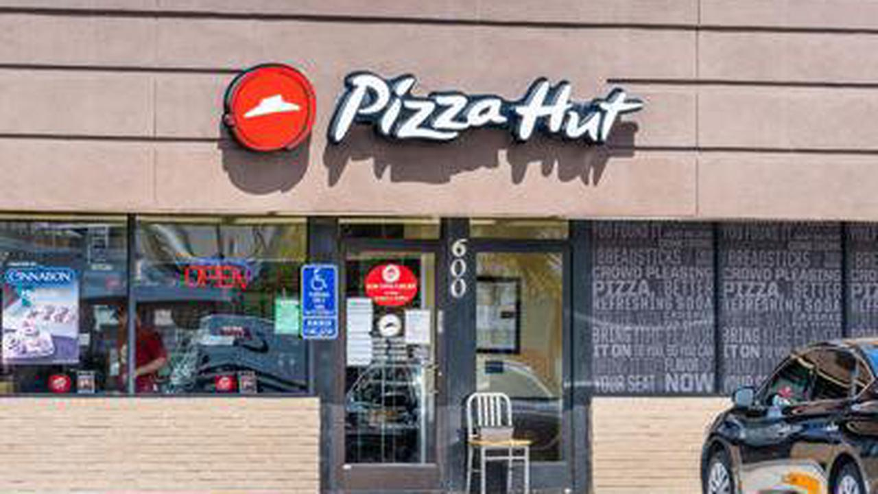 300 Pizza Huts, Mostly Dine-in Locations, to Close