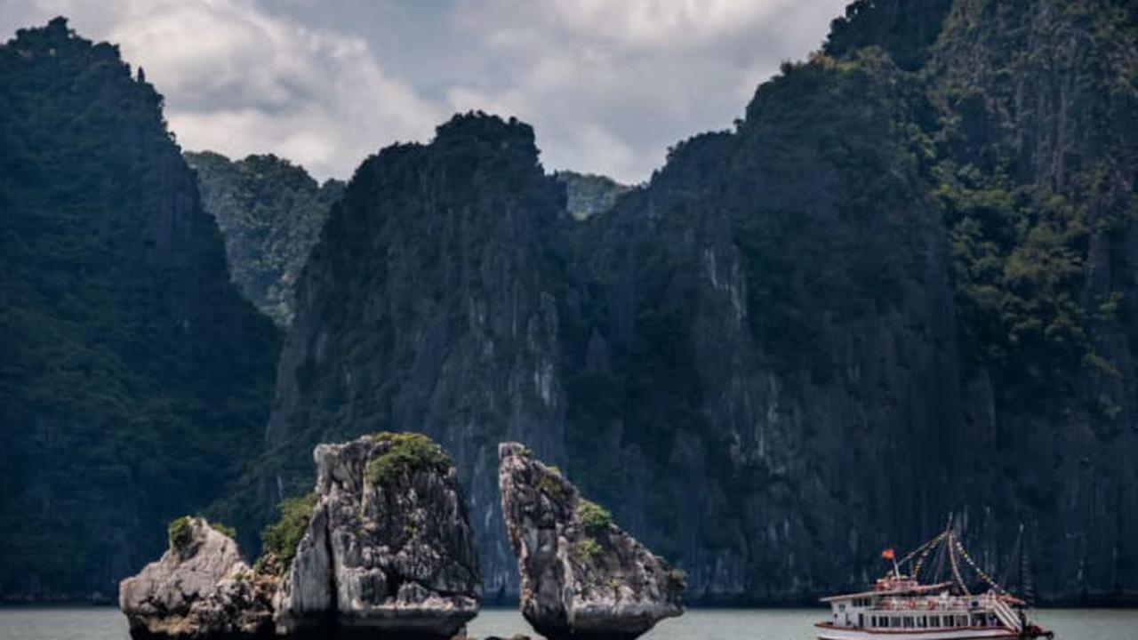 Pompeo wraps up anti-China tour of Asia in Vietnam